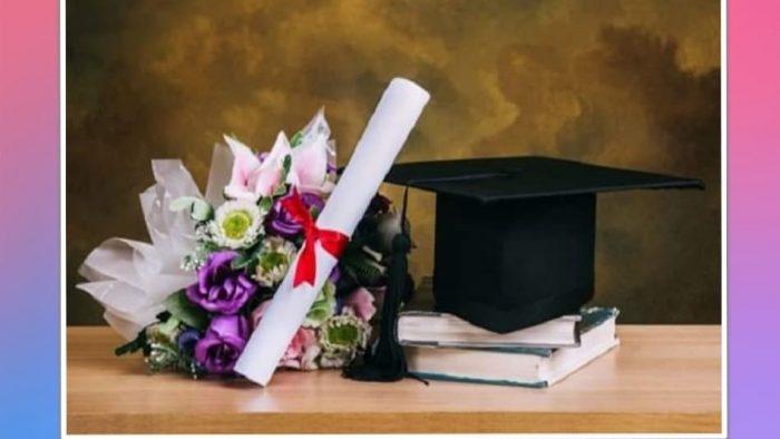 Tặng hoa mừng tốt nghiệp