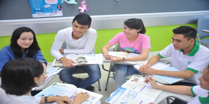 Tham gia các khóa học tiếng Anh