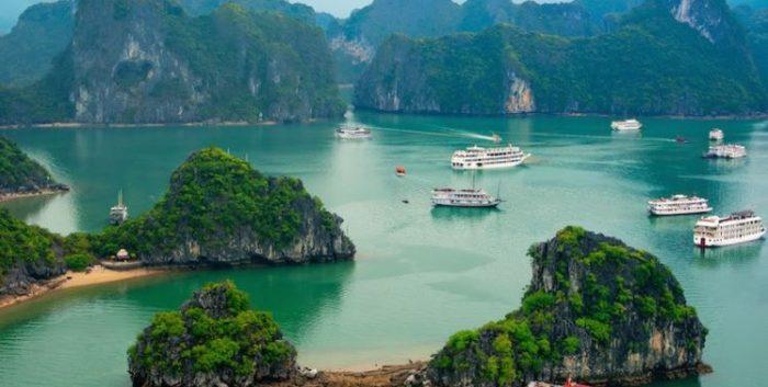 Từ vựng tiếng Anh về địa điểm du lịch nổi tiếng ở Việt Nam